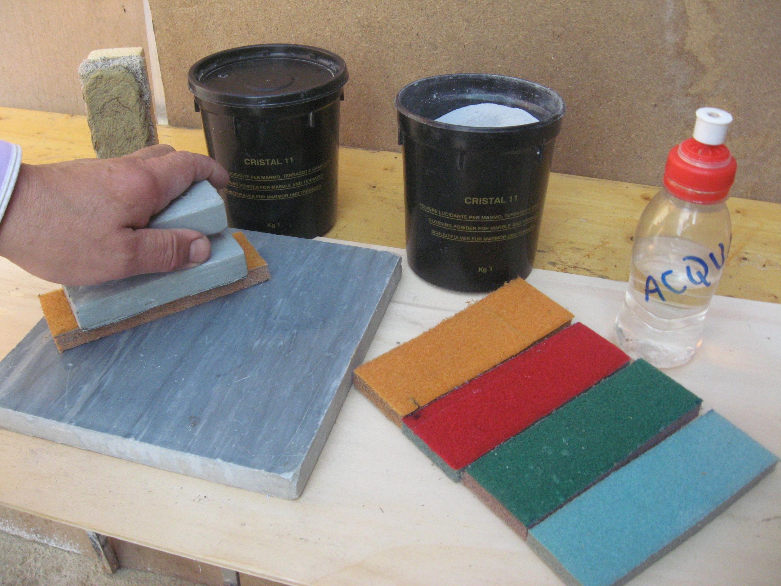 Prodotti marmo lucidare pavimento rigato corroso opaco - Levigare il parquet senza togliere i mobili ...