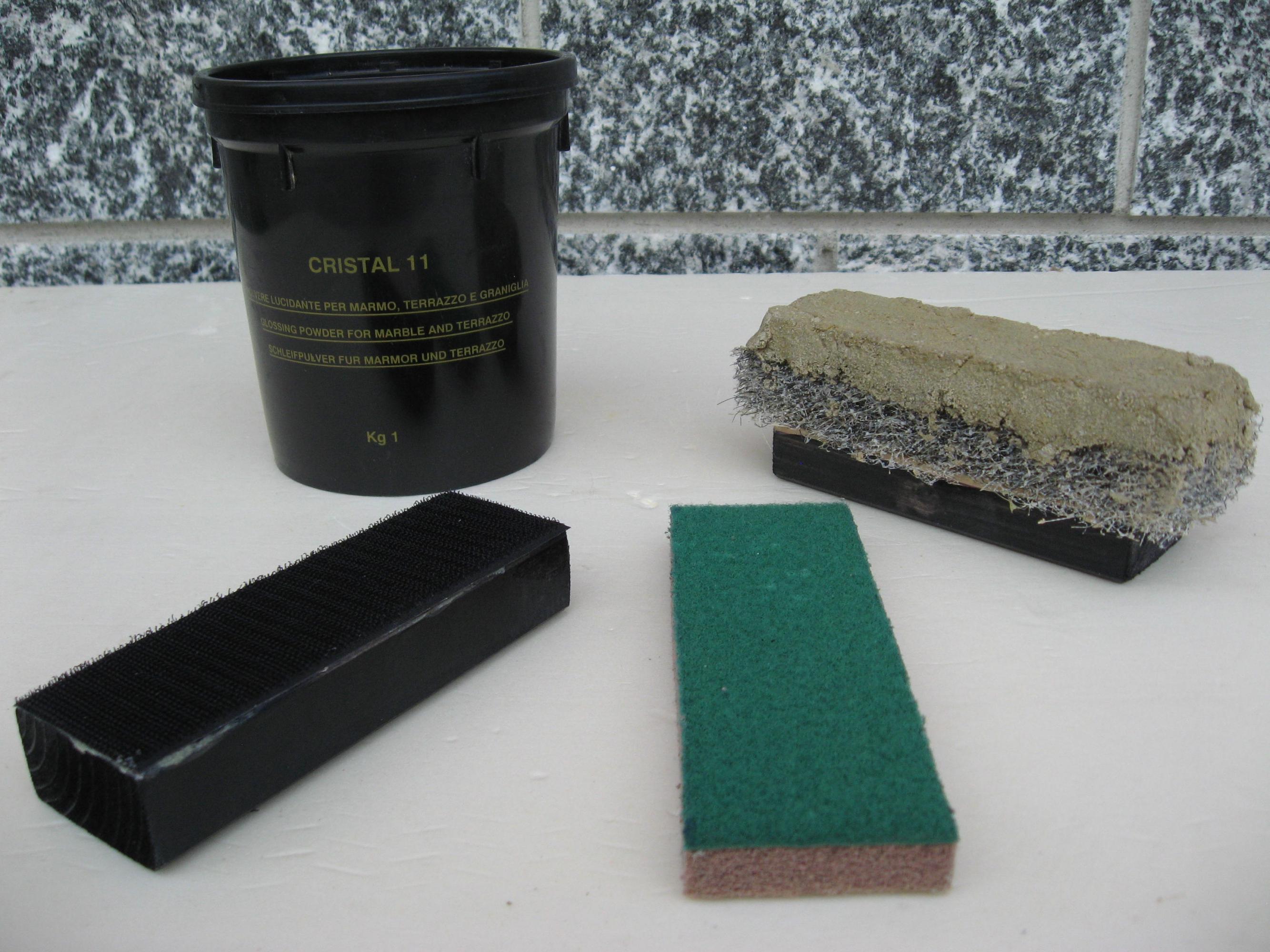 Prodotti marmo lucidare pavimento rigato corroso opaco for Pavimento marmo bianco e nero